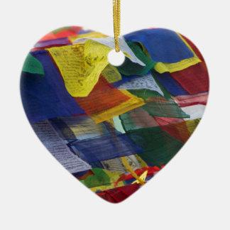 Banderas tibetanas del rezo en Boudhanath Stupa Adorno Navideño De Cerámica En Forma De Corazón