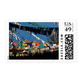 Banderas y chortens del rezo sello postal