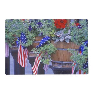 Banderas y flores en Philipsburg Montana Salvamanteles