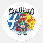 Banderas y gaitero de Escocia Etiquetas Redondas