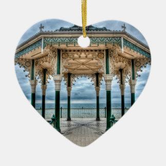 Bandstand de Brighton, Inglaterra Adorno Navideño De Cerámica En Forma De Corazón