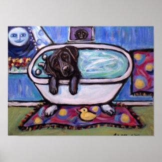 Bañera negra de Labrador Póster