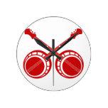 banjos cruzados rojos reloj