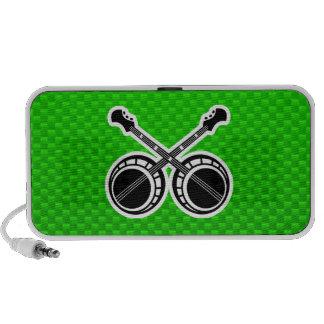 Banjos en duelo verdes laptop altavoces