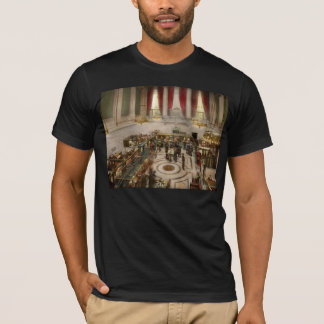Bank - Bank with a lot of interest 1920 T-Shirt