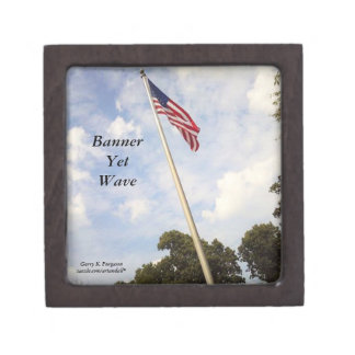BANNER YET WAVE AMERICAN FLAG KEEPSAKE BOX