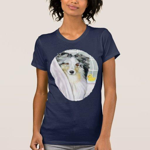 Baño azul de Merle Sheltie Camisetas