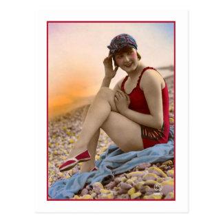 Baño de belleza en bañador rojo postales