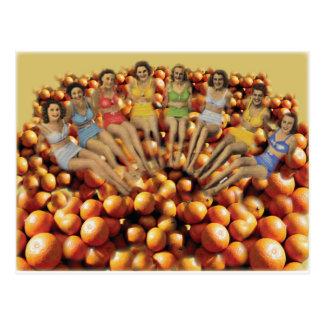 Baño de bellezas y de los naranjas postal
