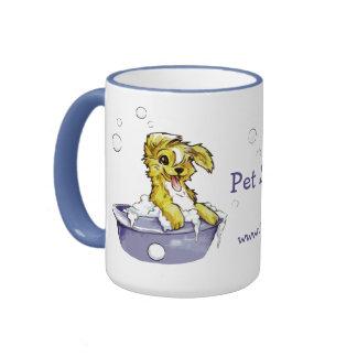 Baño de burbujas del perrito taza de dos colores