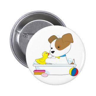 Baño lindo del perrito pin redondo de 2 pulgadas