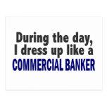 Banquero comercial durante el día postal