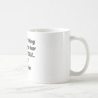 Banquero del miedo taza de café