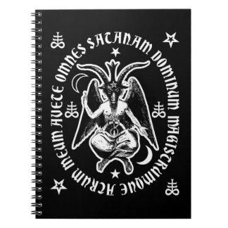 """Baphomet con """"la inscripción latina de Satan del Notebook"""