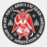 Baphomet con las cruces y los Pentagrams satánicos Etiqueta Redonda