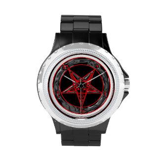Baphomet gris y rojo negro reloj