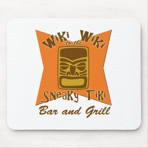 Bar y grill disimulado Mousepad de Tiki