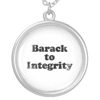 Barack a la integridad - Faded.png Colgante Redondo
