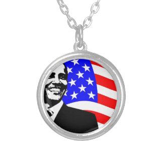 Barack Obama Collar Plateado