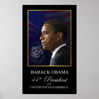 Barack Obama con el poster de John Kennedy