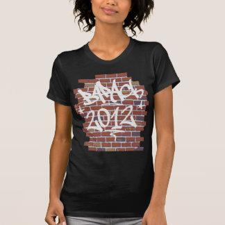 Barack Obama writing on the wall Grafitti T-shirts