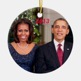 Barack y Michelle 2013 - ornamento Adorno Redondo De Cerámica