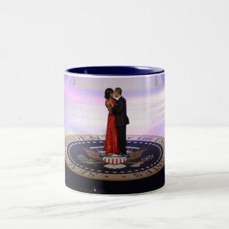 Barack y Michelle Obama Taza De Café De Dos Colores