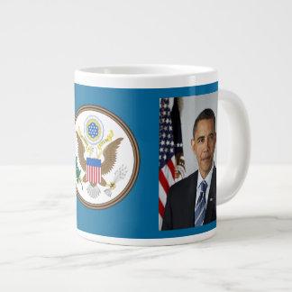 Barack y taza de café enorme de Michelle Obama Taza Grande