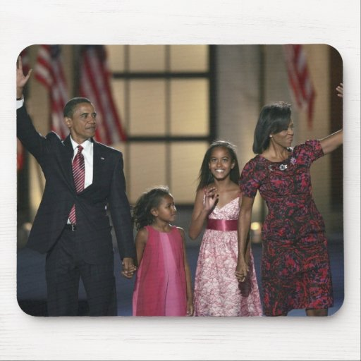 Barak Obama family wave at the last night of Mouse Pad