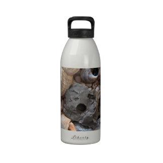 Baratijas de la playa botellas de agua reutilizables
