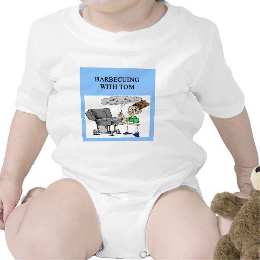 barbacoa con tom trajes de bebé