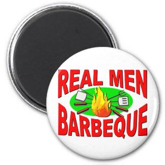 Barbacoa real de los hombres. Diseño divertido par Imán Redondo 5 Cm