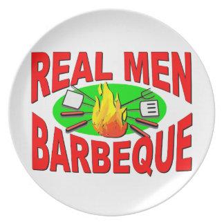 Barbacoa real de los hombres. Diseño divertido Platos Para Fiestas