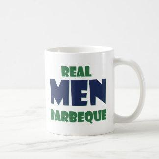 Barbacoa real de los hombres taza de café