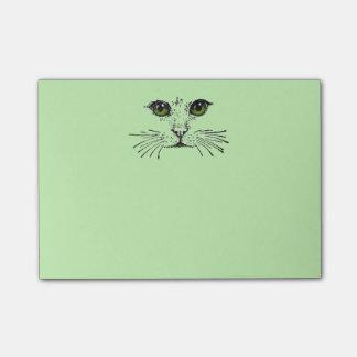 Barbas de los ojos verdes de la cara del gato post-it nota