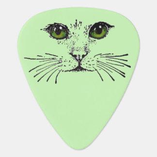 Barbas de los ojos verdes de la cara del gato plectro