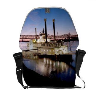 Barca del casino en la oscuridad bolsas messenger