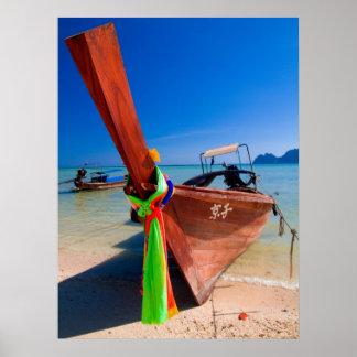 Barca en las islas PhiPhi Tailandia Poster