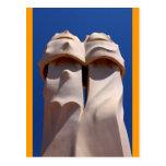 Barcelona, tops de chimenea de Antonio Gaudi Postales