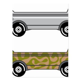 Barco anfibio del camión en las ruedas postales