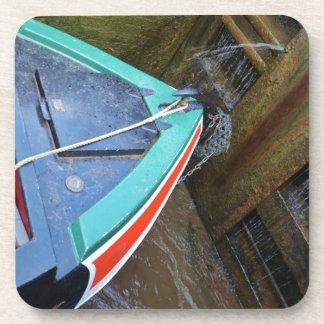 Barco de canal en cerradura posavasos de bebidas