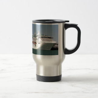 Barco de cruceros 2 tazas de café