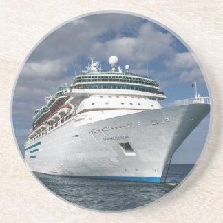 Barco de cruceros blanco grande posavasos para bebidas