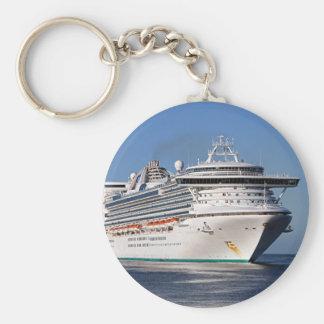Barco de cruceros de oro de la princesa llavero redondo tipo pin