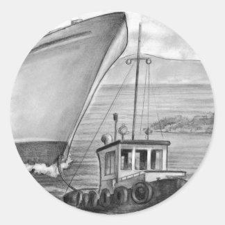 Barco de cruceros del remolque del barco del tirón etiqueta redonda