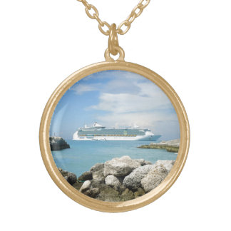 Barco de cruceros en el collar de CocoCay