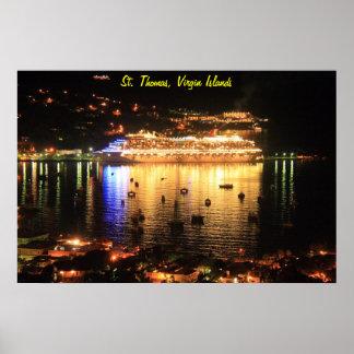 Barco de cruceros en la noche, St Thomas, Islas Ví Posters