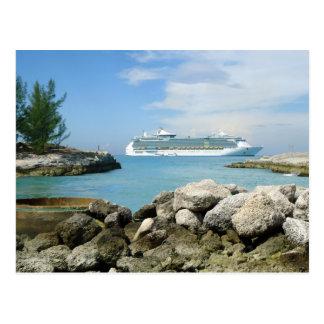 Barco de cruceros en la postal del personalizado d