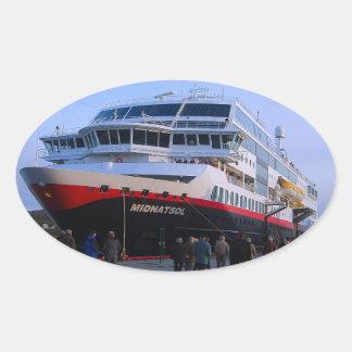 Barco de cruceros noruego pegatina ovalada