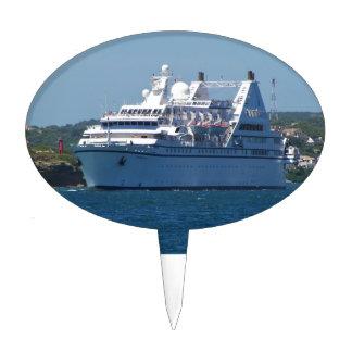 Barco de cruceros que sale de Mahon Figura De Tarta